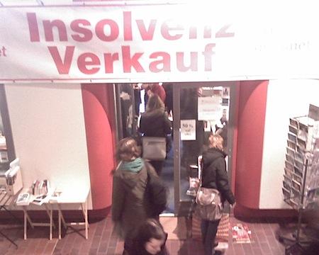 insolvenzverkauf im Bücherladen auf dem Campus der Göttinger Universität