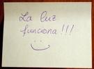 spanische Notiz an der Badezimmertür: das Licht funktioniert!