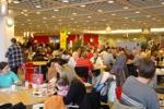 Ein Ikea voller Menschen